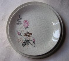 Lovely rose pattern - Kelston potteries; name? Pink Flowers, Decorative Plates, Pottery, Crown, Ceramics, How To Make, Cat, Kitchen, Image