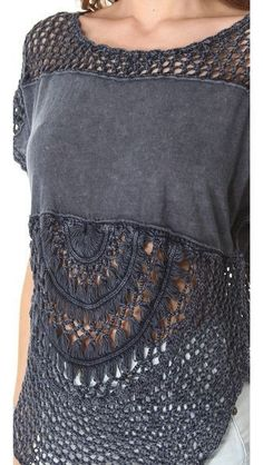 knitting inspiration Distressed top: part of old T-shirt + half doily (hairpin lace & crochet mesh stitch) + neckline & sleeves in crochet mesh stitch Hairpin Lace Crochet, Crochet Fashion, Diy Fashion, Ideias Fashion, Crochet Blouse, Knit Crochet, Crochet Fabric, Crochet Tablecloth, Crochet Tops