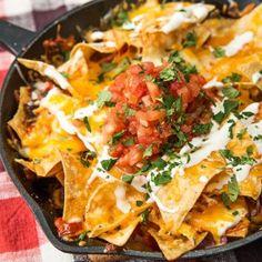 9 Crunchy And Cheesy Nacho Recipes - Nachos Recipe Pulled Pork Nachos, Pulled Pork Recipes, Beef Recipes, Snack Recipes, Chicken Recipes, Snacks, Cheesy Recipes, Mexican Food Recipes, Ethnic Recipes