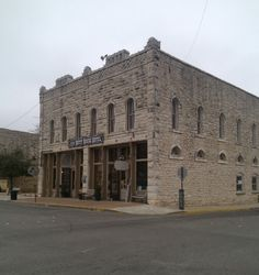 Haunted Nutt House Hotel in Granbury Tx.