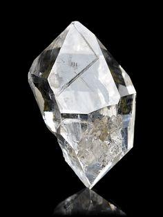 Diamond Quartz, Herkimer Diamond, Minerals And Gemstones, Rocks And Minerals, Gem Diamonds, Crystal Magic, New Energy, Mineral Stone, Rocks And Gems