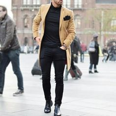 Turncoat, Chelsea boots and black Poloneck