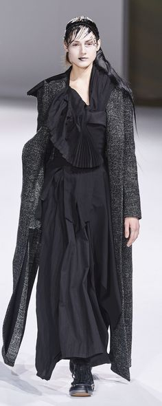 Yohji Yamamoto, Emilio Pucci, Jil Sander, Fashion Week, Runway Fashion, Fashion Fashion, Missoni, Kenzo, Moschino