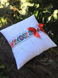 jarcik / Folkový svadobný vankúšik Folk, Throw Pillows, Wedding, Valentines Day Weddings, Popular, Forks, Decorative Pillows, Decor Pillows, Weddings