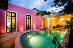 Patio Rosado : Modern pool by Taller Estilo Arquitectura