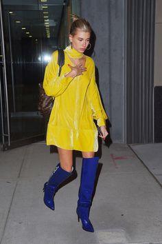 Hailey Baldwin Out in New York Celebrity Fashion and Style Fashion Models, Girl Fashion, Fashion Trends, Hailey Baldwin Style, Pakistani Fashion Party Wear, Style Finder, Celebrity Style, Celebs, Celebrities