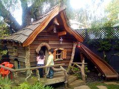 """Résultat de recherche d'images pour """"cabanes de jardin en bois pour enfants"""""""