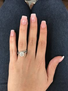 Trendy nails pink and white design polish Dipped Nails, Natural Nails, Natural Acrylic Nails, White Tip Acrylic Nails, Short Pink Nails, Clear Gel Nails, Short Square Acrylic Nails, Short Square Nails, Pink Ombre Nails