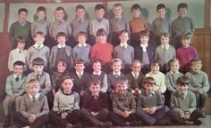 My class, I can still remember all the names . Last school photo of Robbie McBeth, front row second from right, before he returned to Austria with his mother. School Photos, Past Life, Front Row, Childhood Memories, Growing Up, Scotland, History, Reading, School Pictures