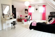 Black and Pink Room | Teen Bedroom Idea