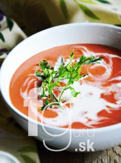 Krémová polievka z pečenej repy s kokosovou smotanou Thai Red Curry, Soup, Lunch, Ethnic Recipes, Diet, Eat Lunch, Soups, Lunches