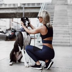 This fitness fashion style is ideal for your New Year look at the gym! Basic Fashion, Yoga Fashion, Sport Fashion, Fitness Fashion, Athletic Fashion, Athletic Outfits, Athletic Wear, Sport Outfits, Athletic Shoes