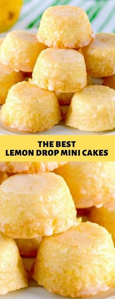 THE BEST LEMON DROP MINI CAKES Tiny lemon cakes are drenched in a mouthwatering lemon glaze making them delicious and addicting. Mini Desserts, Just Desserts, Mini Cake Recipes, Mini Lemon Cakes Recipe, Lemon Cake Recipes, Recipes With Lemon, Party Desserts, Plated Desserts, Food Cakes