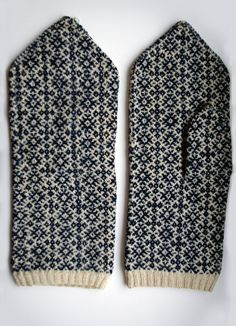 Estonian mittens. Russian cross pattern.  Mulgi labakindad