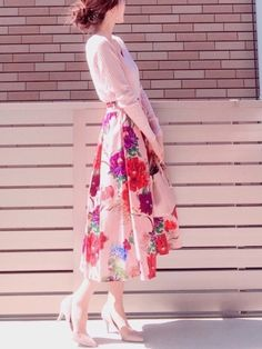 昨日は暖かかったですね  ピンクコーデ  ZARAのスカート可愛すぎる✨ Japan Fashion, Kawaii Fashion, Cute Fashion, Womens Fashion, Long Skirt Fashion, Modest Fashion, Fashion Dresses, Modest Dresses, Modest Outfits