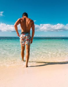 Mens Casual Dress Outfits, Summer Outfits Men, Beach Photography Poses, Beach Poses, Beach Tumblr, Mens Photoshoot Poses, Cute Boys Images, Men Beach