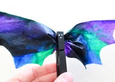 Today I'm going to show you this super cute Coffee Filter Bat Craft that's great for Halloween decorating or even a theme unit about bats. Fall Arts And Crafts, Halloween Arts And Crafts, Halloween Treats For Kids, Fall Crafts For Kids, Halloween Activities, Toddler Crafts, Art For Kids, Bat Craft, October Crafts