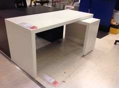 malm bureau avec tablette coulissante blanc pinterest malm tablette et ikea. Black Bedroom Furniture Sets. Home Design Ideas