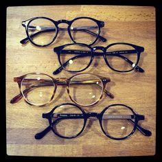 Tendance de la semaine ! Petit aperçu de ce qui a plu ces derniers jours : #komono #masunaga #pantosparis #lgr @komono @masunaga_since_1905_official @pantosparis @lgrworld #tendance #tendance2016 #tendancedelasemaine #unehistoiredelunettes #opticien #opticiencreateur #opticienmontpellier #montpellier #igersmontpellier #lunettes #lunette #eyewear #glasses #mode #style #fashion #roundglasses #lunettesrondes #tortoiseshell #tortoise #black
