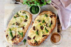 Hvit pizza med potet, sopp og basilikumpesto