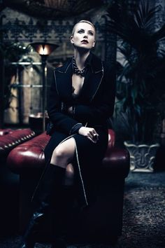 Wow… phenomenal lighting! Great styling. Gorgeous makeup. - Charlize Theron & Kristen Stewart by Mikael Jansson for Interview June / July 2012 [Editorial] - Fashion Copious