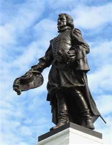 Statue of Jacques Cartier. There is a very similar statue at Saint Malo, in Brittany. Jacques Cartier, Saint Servan, Canadian History, Mille, France, Quebec City, Canada Travel, Brittany, Places To See