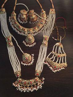 Pakistani Bridal Jewelry, Indian Wedding Jewelry, Indian Bridal, Antique Jewellery Designs, Jewelry Design, Indian Jewelry Earrings, Jewelery, Hyderabadi Jewelry, Wedding Jewellery Inspiration