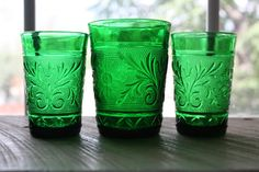 Hey, I found this really awesome Etsy listing at https://www.etsy.com/listing/396521971/set-of-2-green-anchor-hocking-glass
