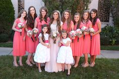 Jessa Duggar and Ben Seewald wedding - the bridesmaids (and the bride!)
