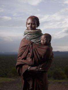 [フリー画像素材] 人物, 家族 / 親子, お母さん / 母親, 子供, 赤ちゃん, 二人, 部族, エチオピア人, ハマル族 ID:201402191100