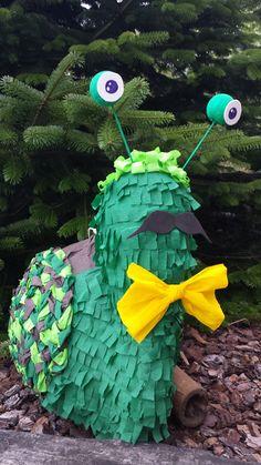 Piñata caracol, piñata snail.