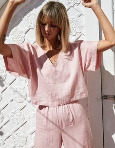 NEW NOW: French linen clothing, in Wildflower Pink. A beautiful long pant set that you can Mix and Match. Two new styles, four new colourways. Ready to shop the Elle & Poppy loungewear set. Night Outfits, Summer Outfits, Casual Outfits, Outfit Night, Girl Fashion, Fashion Outfits, Fashion Tips, Color Fashion, 70s Fashion