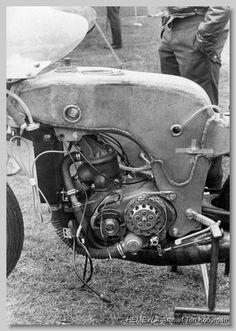 Road Racer Bike, Race Engines, Motorcycle Engine, Racing Motorcycles, Classic Bikes, Sidecar, Road Racing, Vintage Racing, Motorbikes