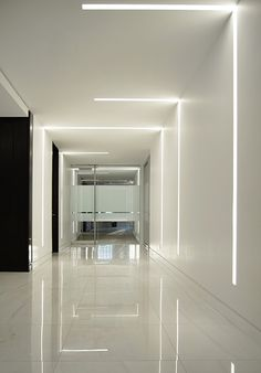 The Lumenline Recessed is a linear system of LED luminaires that can be integrated in most ceiling types to provide a discreet, flexible general lighting sol. Recessed Wall Lights, Led Recessed Lighting, Linear Lighting, Strip Lighting, Corridor Lighting, Garage Lighting, Lighting Showroom, Living Room Lighting, Home Lighting Design