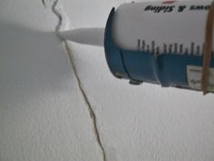 Fix ceiling cracks for good Fixing Drywall, Drywall Tape, How To Patch Drywall, Drywall Ceiling, Drywall Repair, Roof Repair, Repair Ceilings, Cracked Wall, Home Fix