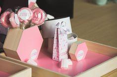 NaturalPlus 6-hoekig houten schuifdoosje flamingo roze | NaturalPlus boîte…