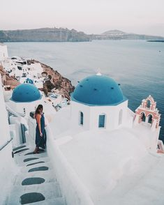 "Iris 🌸 Travel & Style on Instagram: ""Don't be disappointed when you come to Santorini and think you can go anywhere or on roofs to take pictures like you see them all the time…"" Disappointed, Santorini, Travel Style, Like You, Iris, Canning, Pictures, Instagram, Irises"