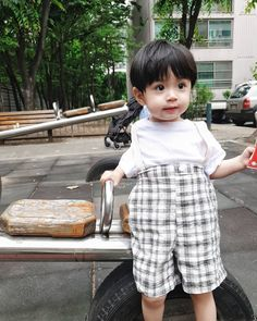 Cute Asian Babies, Korean Babies, Asian Kids, Cute Babies, Outfits Niños, Baby Boy Outfits, Kids Outfits, Dad Baby, Baby Love