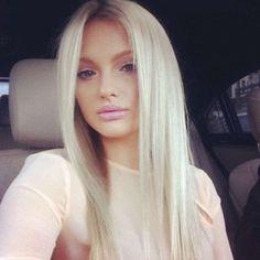 Her blonde hair is perf