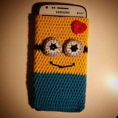 :) Crochet minion mobil case