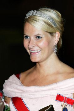 Crown Princess Mette-Marit wore this tiara for the second dinner during the Norwegian Official Visit to England on October 26, 2005.