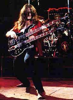 Geddy Lee and his double neck Rickenbacker