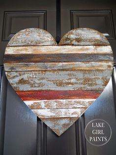 DIY Home Decor | Have some scrap wood lying around? Turn it into a pallet style heart for your front door or wall!