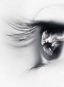 Black and white portrait of a human eye reflecting the power of visualization. Fotografia Macro, Macro Photography, Amazing Photography, Beauty Photography, Vision Photography, Headshot Photography, Foto Picture, Black And White Pictures, Belle Photo
