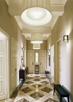 marble flooring Color for foyer: taupe walls, white, brown and black marble floors. Foyer Decorating, Interior Decorating, Floor Design, House Design, Foyer Flooring, Taupe Walls, Home Modern, Elderly Home, Marble Floor