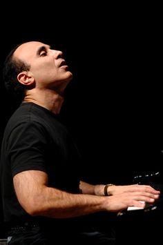Michel Camilo  Dominican Jazz Pianist and Composer Michel Camilo (nacido el 4 de abril de 1954 en Santo Domingo) es un pianista dominicano de jazz latino.
