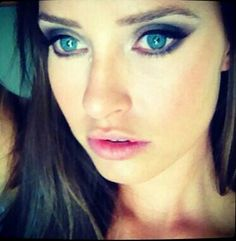 LOVELY MERRITT PATTERSON, ONE OF MY FAVOURITE ACTRESESS, SHE'S SO BEAUTIFUL. Sal Merritt Patterson, Face Claims, Werewolf, Character Concept, Bridges, Makeup Inspiration, Muse, Eye Makeup, Oc