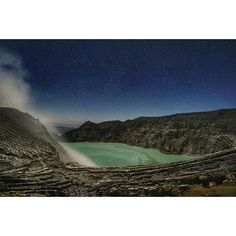 A 4am view of the Kawah Ijen Crater