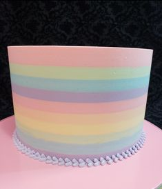 Rainbow stripes butter cream cake by Ester Siswadi Pretty Cakes, Cute Cakes, Beautiful Cakes, Amazing Cakes, Cake Decorating Techniques, Cake Decorating Tips, Rainbow Food, Cake Rainbow, Bolo Minnie
