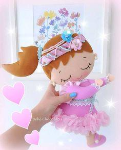 Bu da Nil bebek. Mesaj: ailarmehinli@yahoo.com unicorn, unıcorn horse, bebek kapı süsü, at, atlı kapı süsü, felt, door wreath, fetro, bebek kapı süsü, bebechocolate, фетр, единорог, панно, лошадка, handmade doll, handmade doll, felt horse Baby Mobile, Birthday Treats, Montessori Toys, Fun Crafts For Kids, Felt Toys, Felt Crafts, Beautiful Dolls, Creative Inspiration, Needle Felting